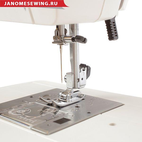 Janome Sewist 709